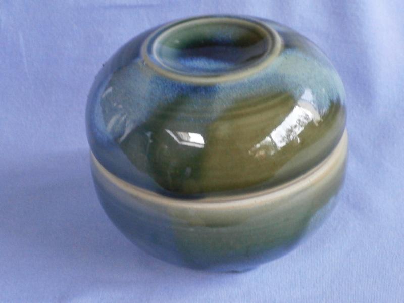 Elizabeth Lyon Australian Cedarshed Studio Pottery Lidded Butter Bowl