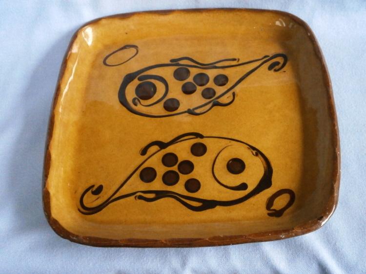 Early Winchcombe Pottery Earthenware Studio Pottery Fish Dish