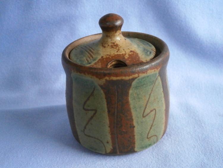 John & Jude Jelfs Bourton-on-the-Water Studio Pottery Mustard Pot